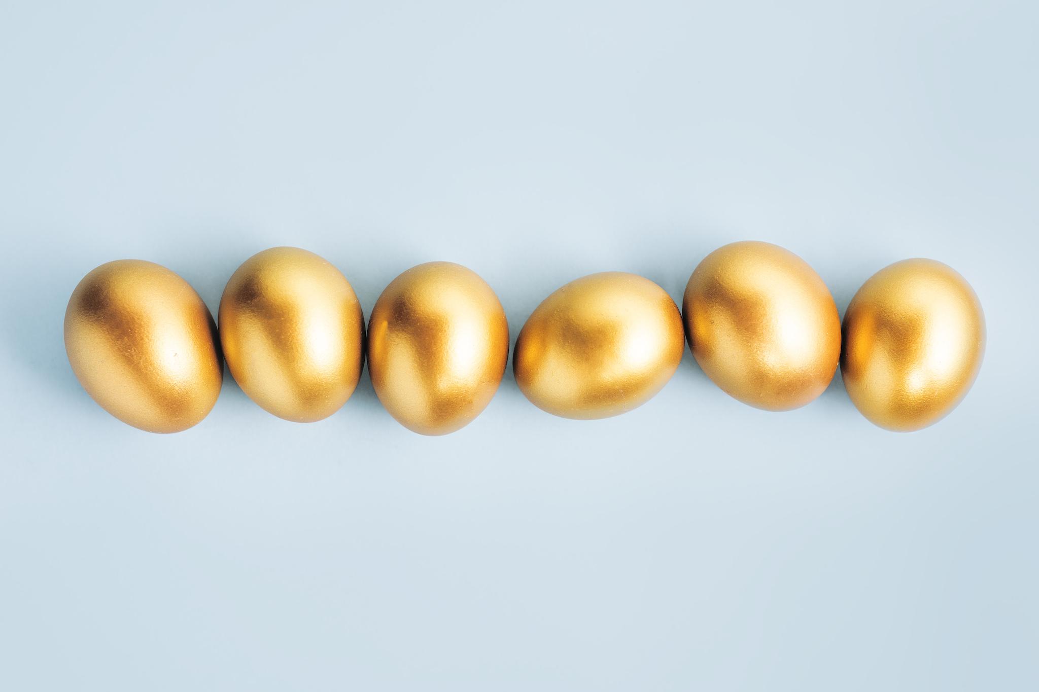 Золотые яйца — Food photo created by valeria_aksakova